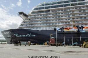 TUI Mein Schiff 5 im Hafen Dock