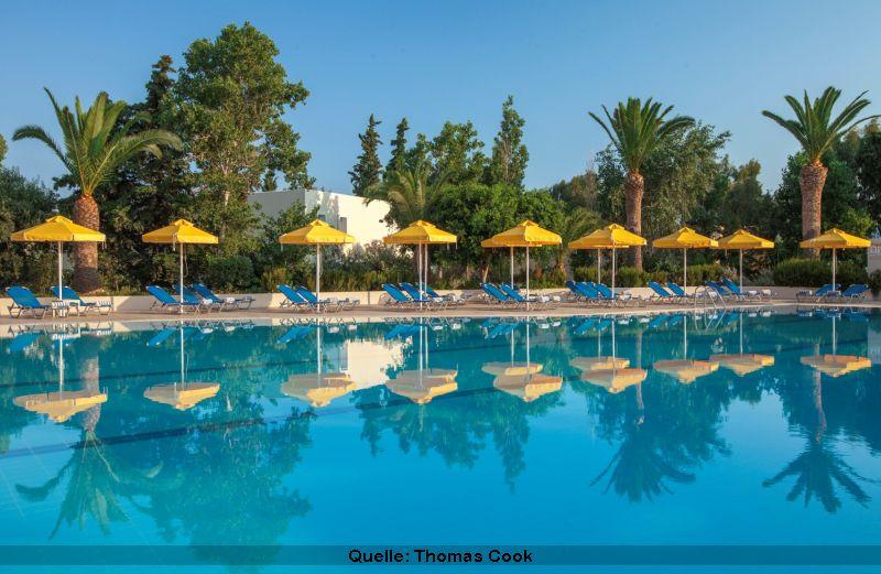 Smartline Kipriotis Hippocrates Pool