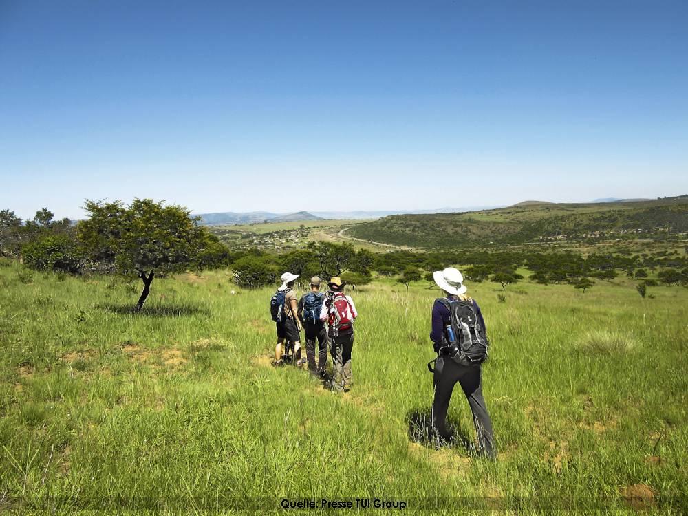 Wandern im Urlaub in Afrika - Savanne und Wüste