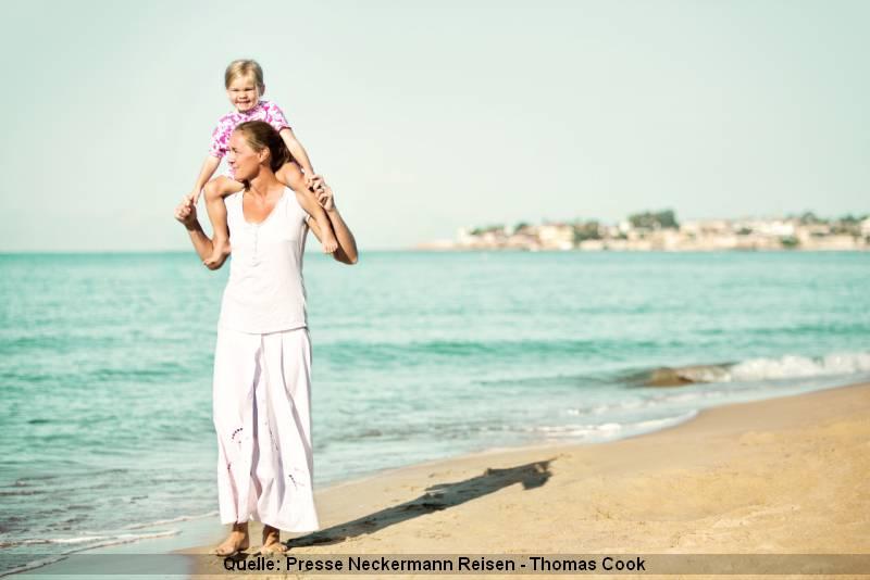 Alleinerziehend und Urlaub mit dem Kind am Meer