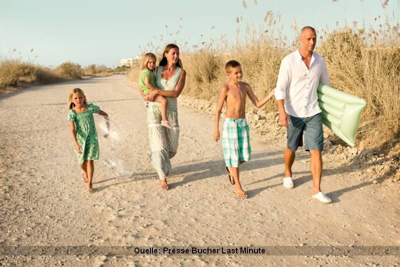 Last Minute Urlaub mit der Familie an den Strand