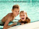 Familien: Kinder & Eltern glücklich: Strand & Meer in sicherer Umgebung – zum fairem Preis in Urlaub