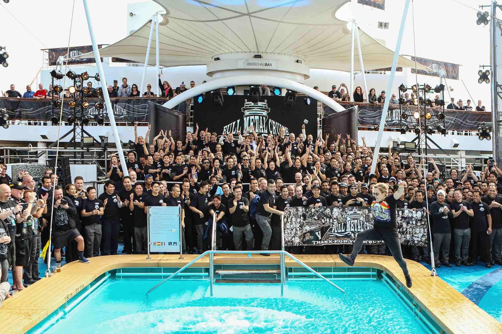 Full Metal Cruise Kreuzfahrt Mein Schiff 3