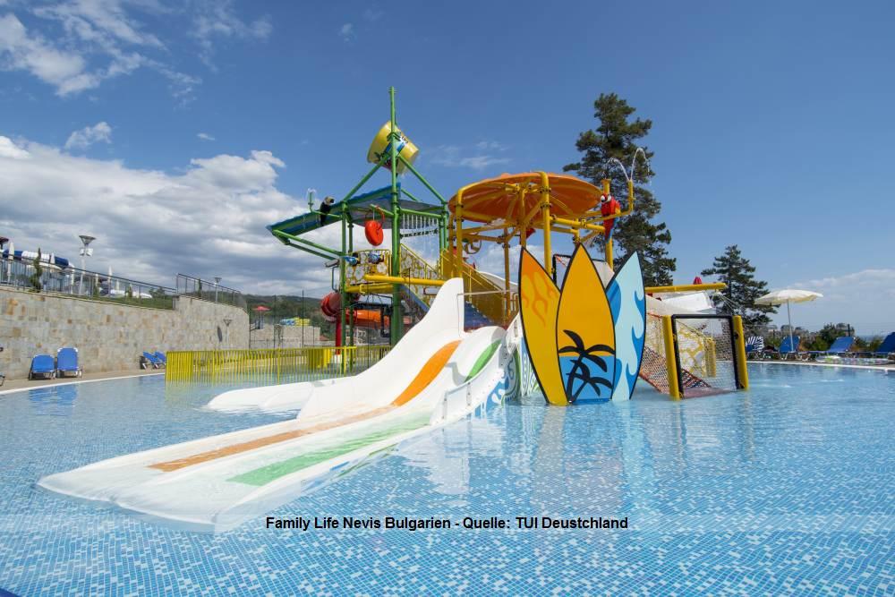Pool des TUI Familiy Life Nevis Resort Bulgarien - Urlaub am Sonnenstrand