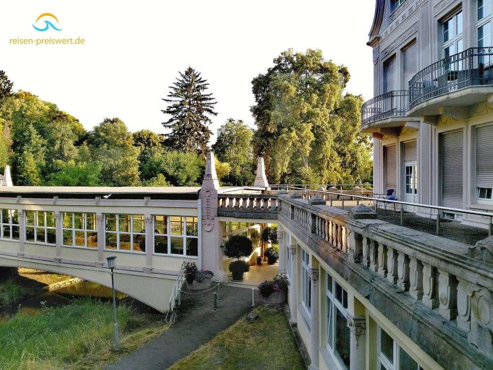 Blick aus dem Zimmer in Richtung Kurpark - Hotel Badehof Bad Salzschlirf