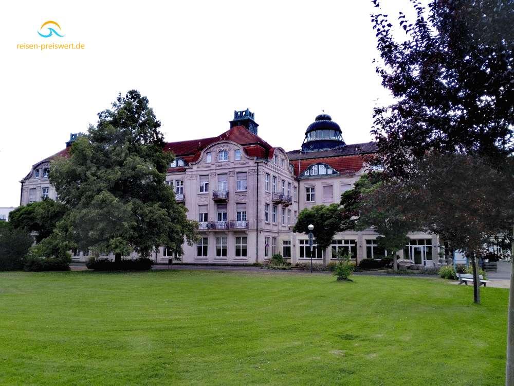 Hotel Badehof Bad Salzschlirf - Parkansicht