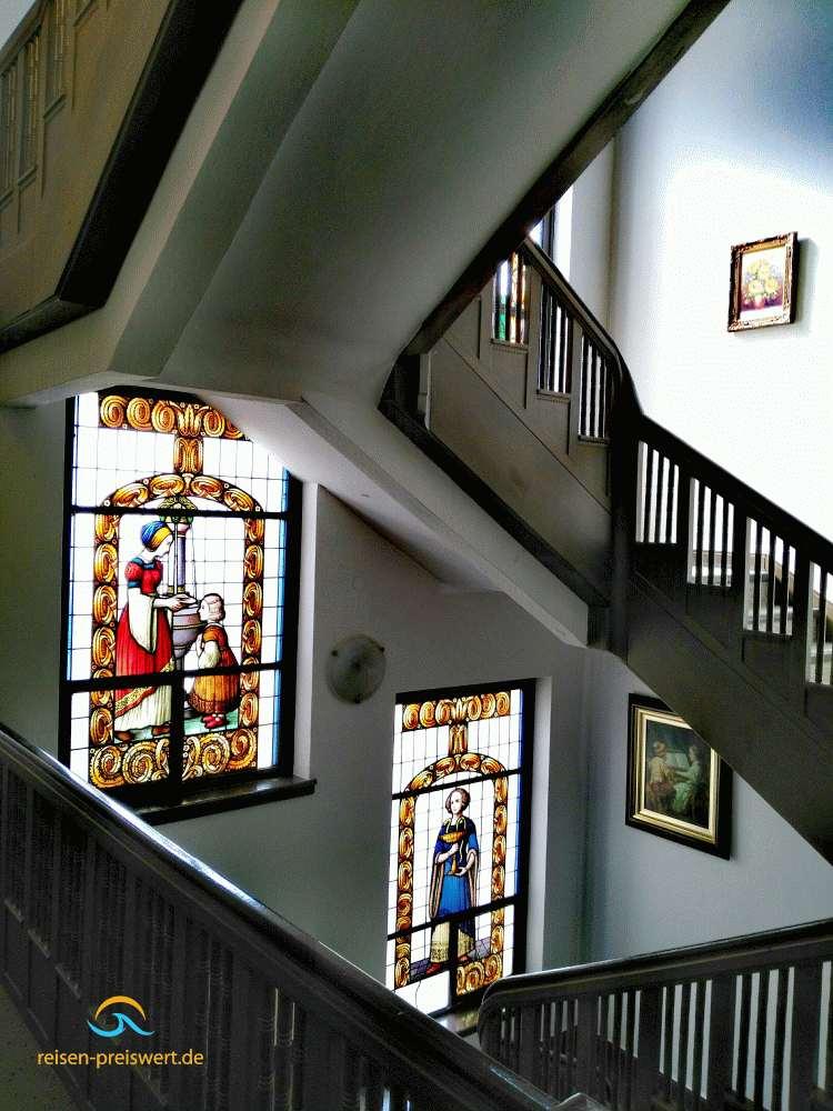 Treppenhaus im Hotel Badehof Bad Salzschlirf