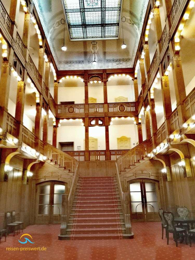 Jugendstil Treppe im Hotel Badehof Bad Salzschlirf