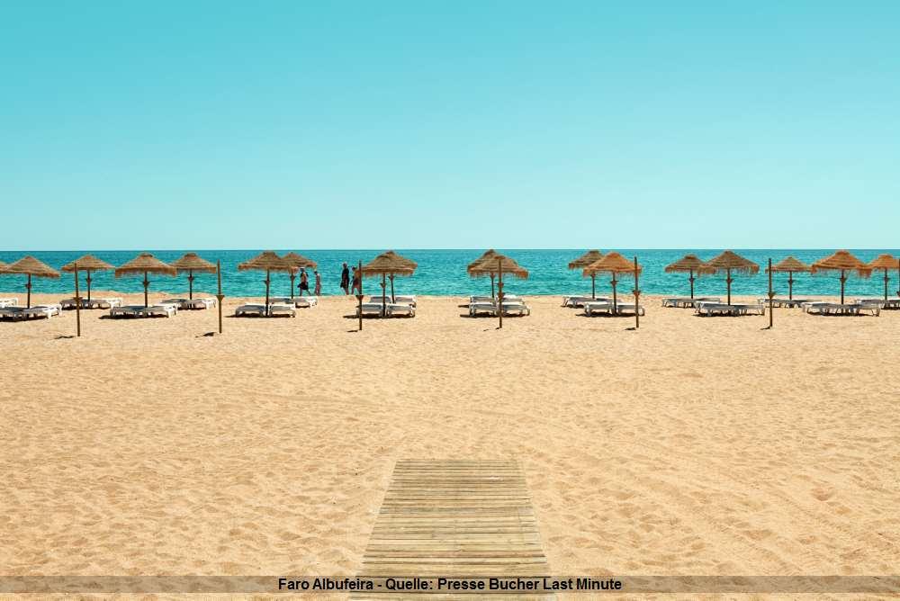 Deutscher Strand - Faro Albufeira in Portugal - Sonne, Meer, Sonnenschirme