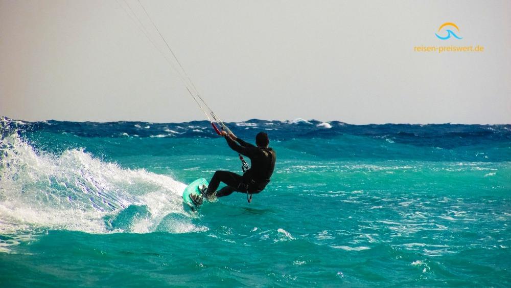 Kitesurfen, Wind, Meer, Sonne www.reisen-preiswert.de
