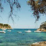 Im Urlaub auf Mallorca eine Bucht besuchen