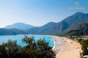 Strand bei Ölüdeniz in der Türkei