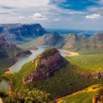 Fluß, Meer und Berge in Südafrika